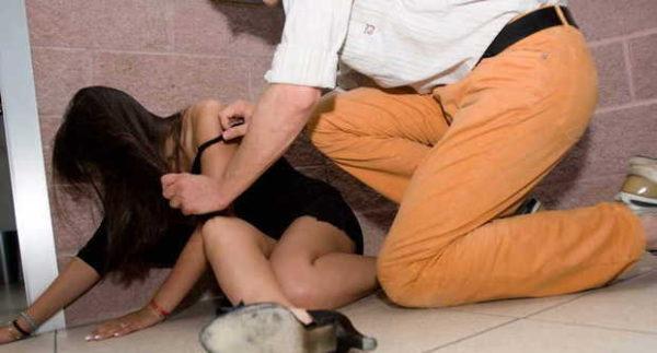 Polacca Violentata e Drogata mentre viaggiava con la Figlia