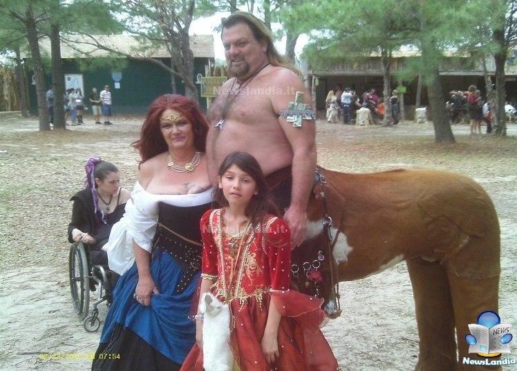 Foto di famiglia più raccapriccianti di sempre incazziamoci famiglia mitologica