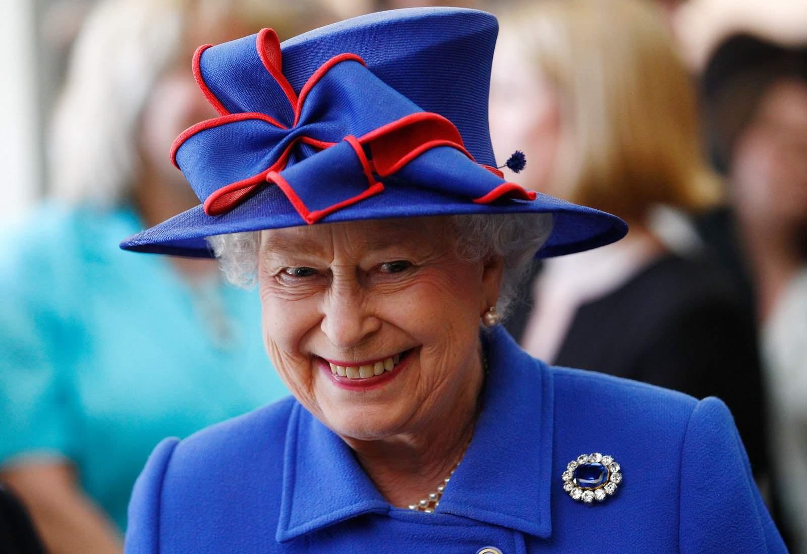 Lavorare per la Regina Elisabetta: Ti Offre Vitto, Alloggio e 20 Mila Euro