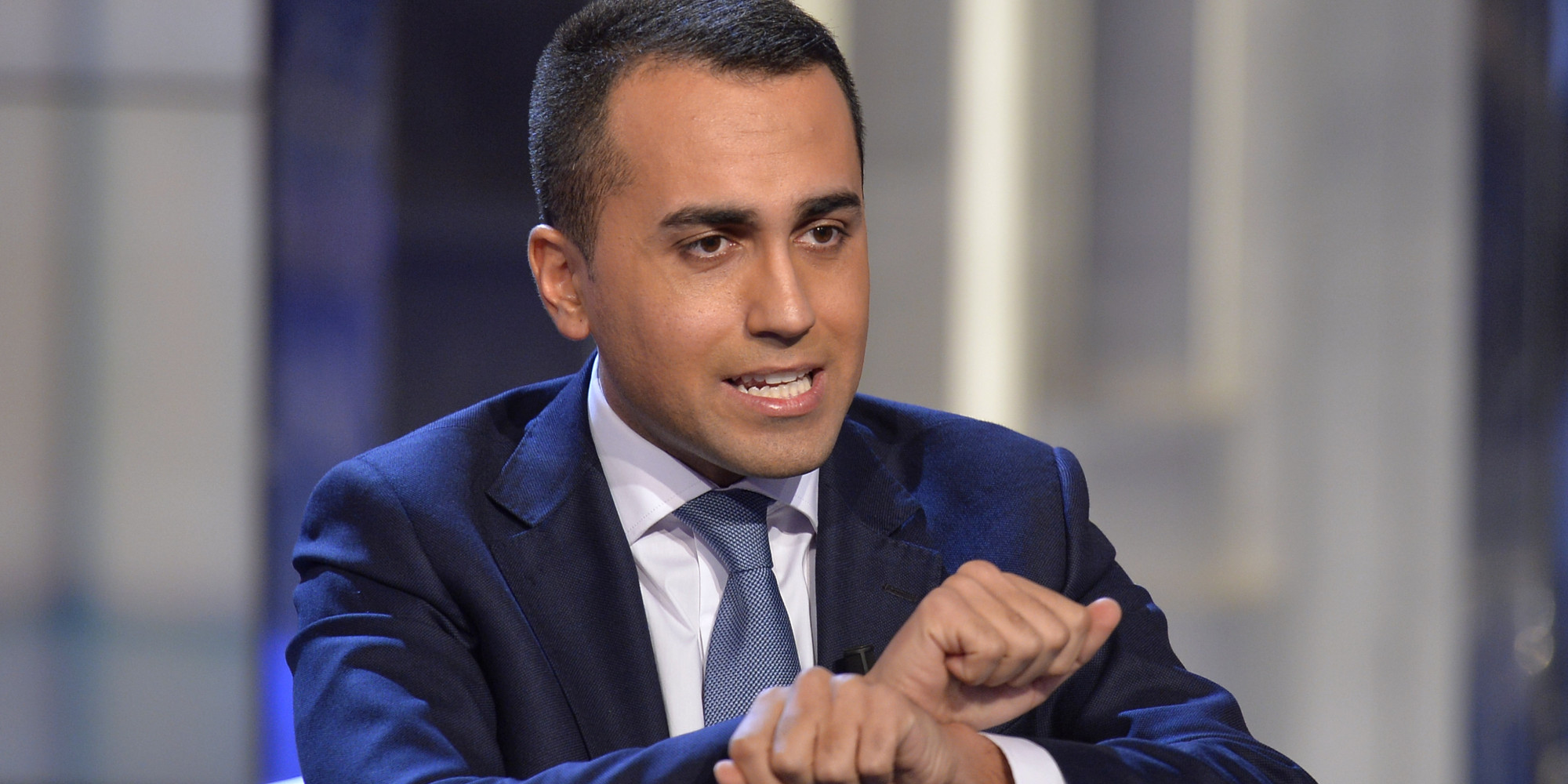 """Il Movimento 5 Stelle attacca Matteo Renzi: """"ci hai svenduti per 80 euro"""""""
