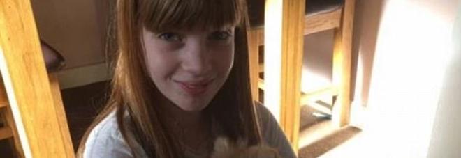 Litiga con la madre e si chiude in camera: 13enne si impicca
