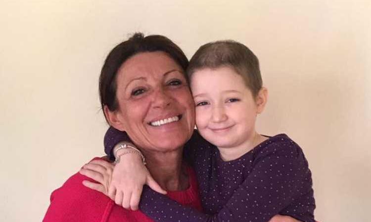 Aurora morta a 8 anni per leucemia. Licenziata la madre per le assenze