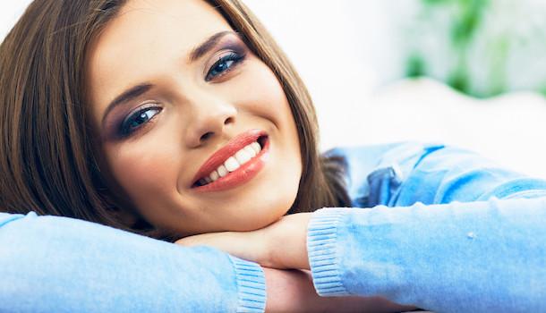 Come sbiancare i denti con rimedi naturali