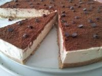 Dolci, cheesecake al tiramisù, davvero irresistibile.