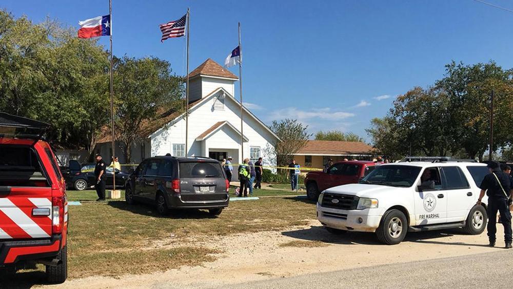 Texas, spari in chiesa: più di 20 morti