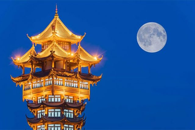 La Cina lancerà una Luna artificiale in orbita