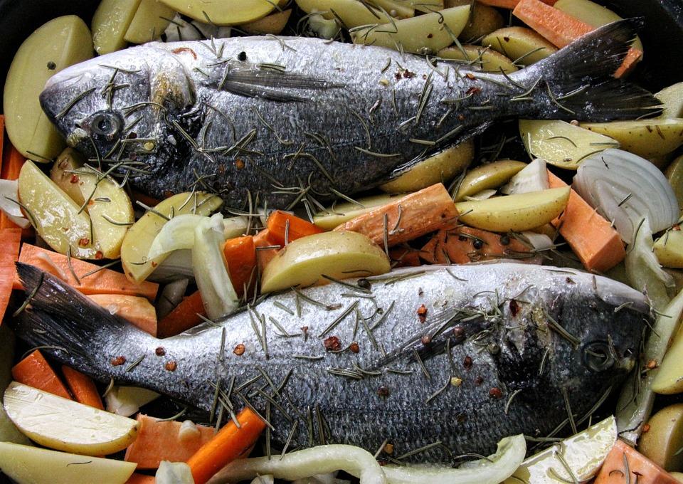 Come eliminare puzza di pesce e fritto da casa