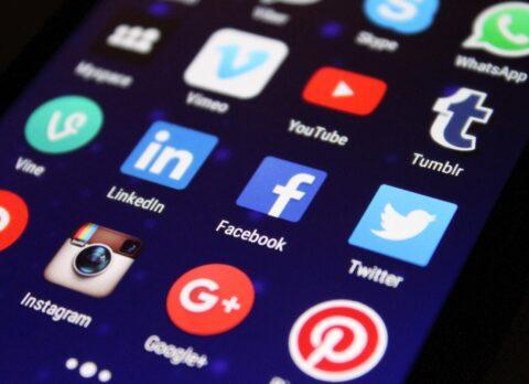 sfondo app android newslandia come non farsi tracciare dai big data